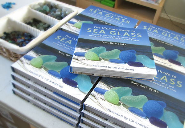 """The Ultimate Guide to Sea Glass: Beach Comber's Edition: Finding, Collecting, Identifying, and Using the Ocean's Most Beautiful Stones"" by Mary Beth Beuke"