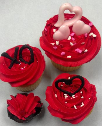 """Sweetheart Cupcakes"" by That Takes The Cake"