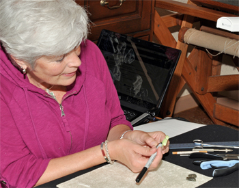Paulette Hill demonstration at R&T Crystals and Beads